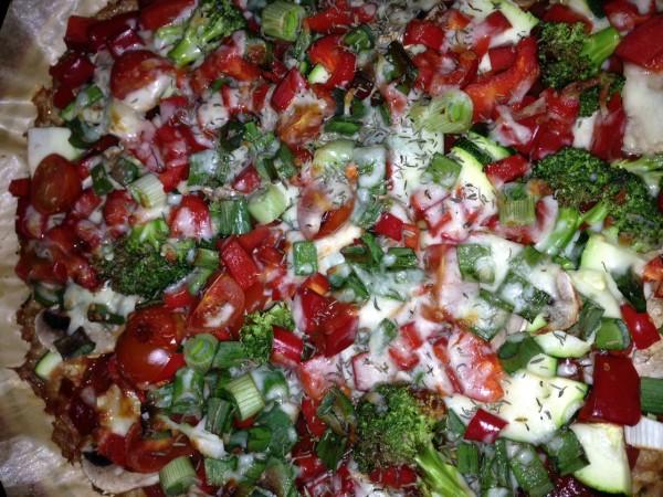 Thunfisch Pizza mit Spirulina und Gemüse