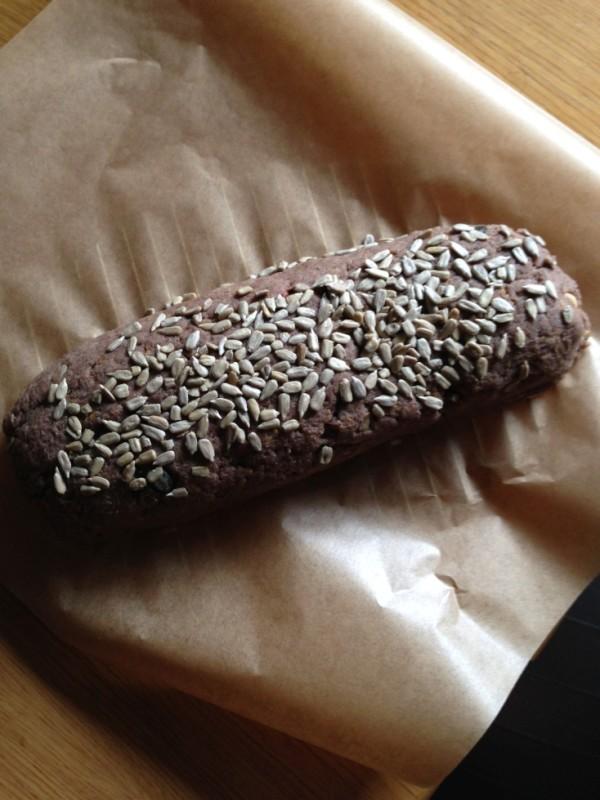 Paleo, weizenloses Brot Teig in Form bringen