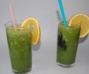 Fruchtiger Spirulina Smoothie mit Ruccola