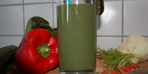 omniblendv-gurke-fenchel-spirulina-smoothie-mixen-2