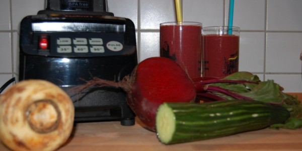 omniblendv-rote-beete-smoothie-mixen-3