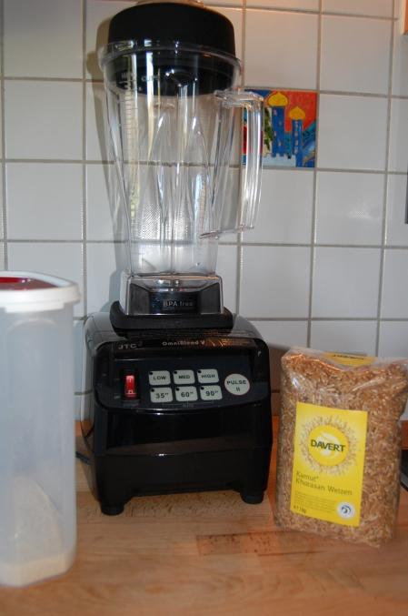 Getreide selber mahlen im Omniblend V Mixer